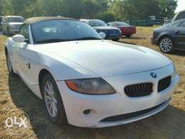 White Bmw Z4 2004 clean for sale