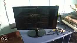 20 inches' desktop monitor samSung TFT.