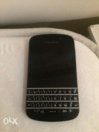 Blackberry Q10 used one for sale ... but is in a good condition Pretoria West - image 1