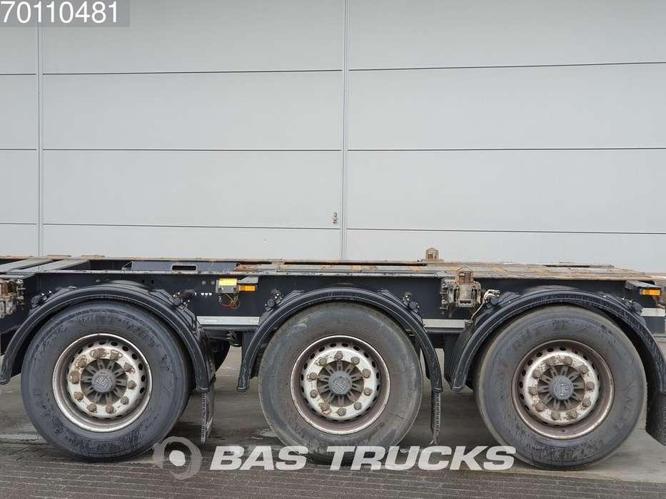 Krone 2x20-1x30-1x40ft. 3 axles Ausziehbar Extending Chassis - 2012 - image 9