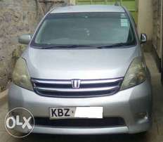 Toyota ISIS 7 Seater. VVTi. 2007 Mopdel. 1 Lady owner