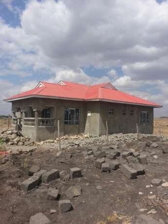A three bedroom bungalow built in 100x50 plot. Electricity and water Nairobi CBD - image 7