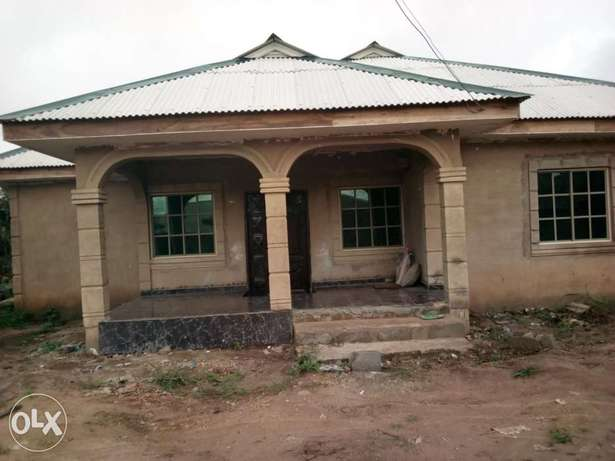 Newly built 3 bedroom house for urgent sale. Ijebu Ode - image 5
