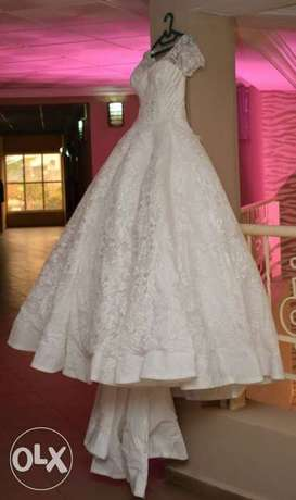 Princess wedding structured gown. Asaba - image 2