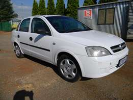 2005 Opel Corsa 1.6 sedan Gama shape for R39,000