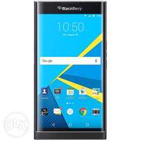BlackBerry Priv - 5.4 - 3GB RAM - 32GB ROM - 18MP camera