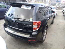 Subaru forester black.