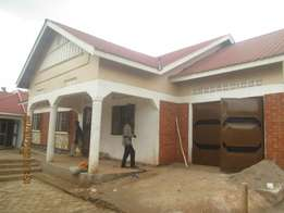 3 bedroom house in kisaasi at 1m