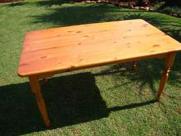 Pine table 1480mm x 880mm