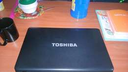 Toshiba Satellite 4gb RAM,300gb harddisk,15inches screen laptop