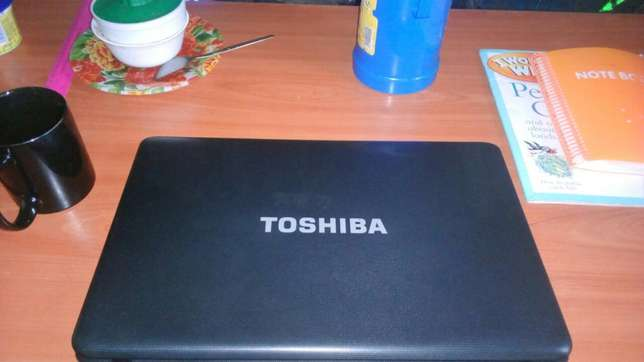 Toshiba Satellite 4gb RAM,300gb harddisk,15inches screen laptop Afraha - image 1