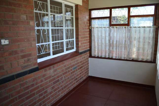 3 bedroom house with granny flat in West-end West End - image 4