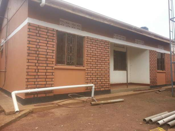 Two bedroomed house behind redpaper Kampala - image 1
