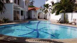 3 bedroom apartment for rent in English point Nyali