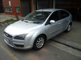 2005 model ford focus 1.6,silver,97 000km,for sale