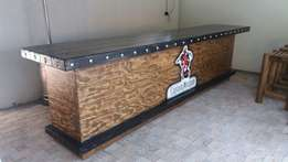 We specialized in manufacturing Bar Counters