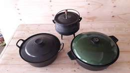 potjie pots x 3 for only R 500