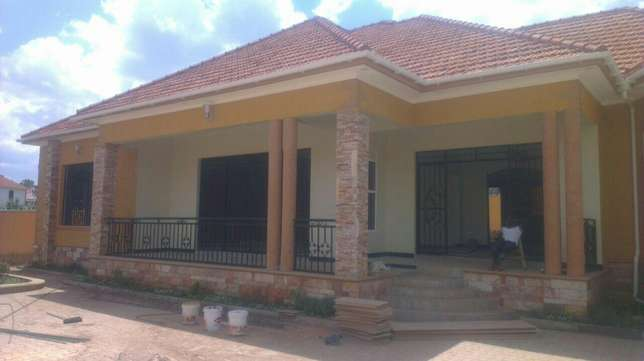 3 bedroom mansion seated on 25decimals at 570m Kampala - image 1