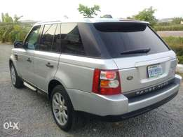 Sparkling 2006 Range Rover Sport HSE Full Option.