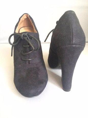 Чорні черевички  500 грн. - Дитяче взуття Львів на Olx 09e9b2b43374b