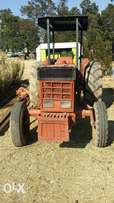 Tractor 844