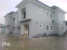 Newly 4bedroom with a 1bedflat Duplex for let at gwarinpa