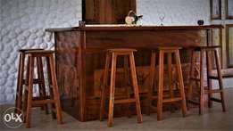 Executive design Home Bar Counter set made of finest hardwoods