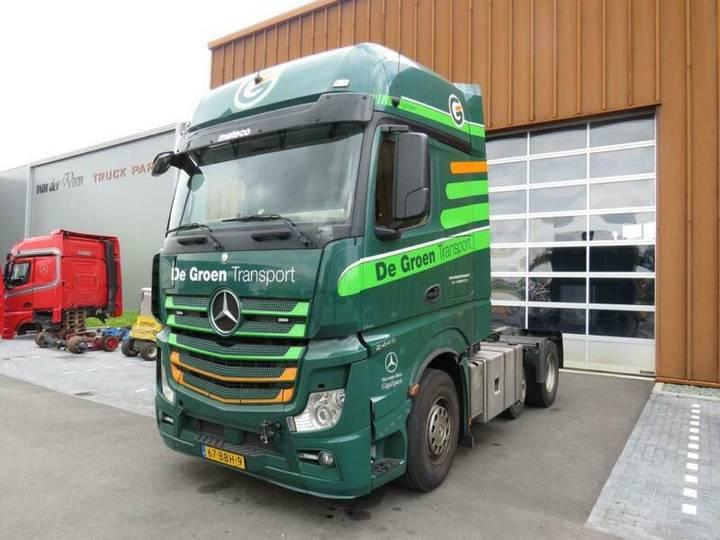 Mercedes-Benz Actros 2445 Gigaspace mit motorschaden!!!!!!!!!! - 2012