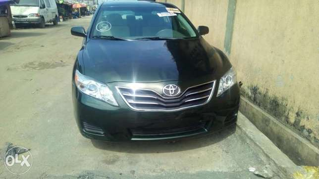 Flawless condition 2010 camry Isolo - image 6
