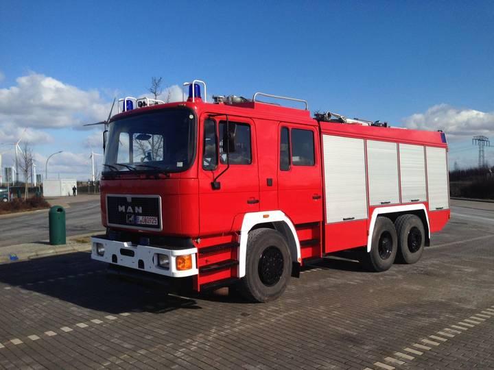 MAN Fire Truck 4.000 L 6x4 Feuerwehr