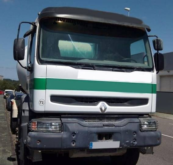 Renault CAMION HORMIGONERA  370 8X4 2004 10M3 - 2019