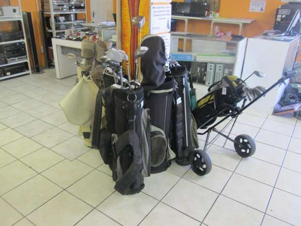 Complete Diffrent Assorted Golf Clubs For Sale Johannesburg - image 1