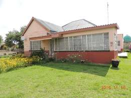 Spacious 3 bedroom house for sale in Warden Free state.