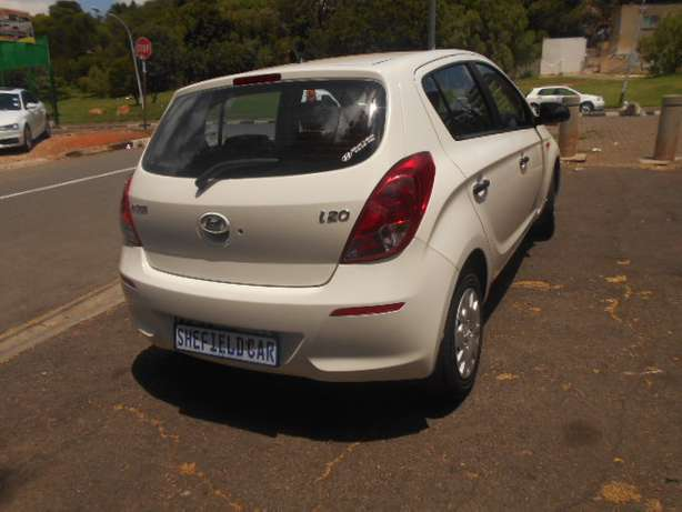 Immaculate condition 2013 Hyundai i20 1.4 Hatchback for sale Johannesburg - image 5