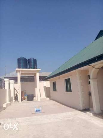 Very super 2bed rooms at ayekale with pop water heater everything Osogbo - image 1