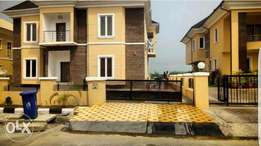 A luxury 5 bedroom Duplex and 2 rooms BQ with excellent facilities