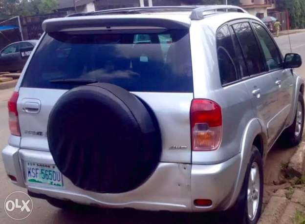 clean used Toyota RAV4 for sale Ikeja - image 2