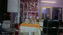 Full Hair Saloon