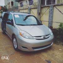 Sienna Toyota luxury family car. Toks. Full duty paid.leather . dvd