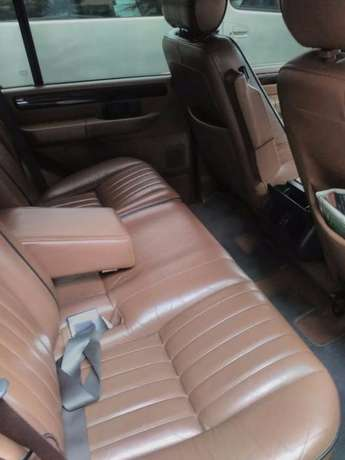 RANGE ROVER 4.0 HOUSE: Very neat,well maintained and in good condition Westlands - image 5