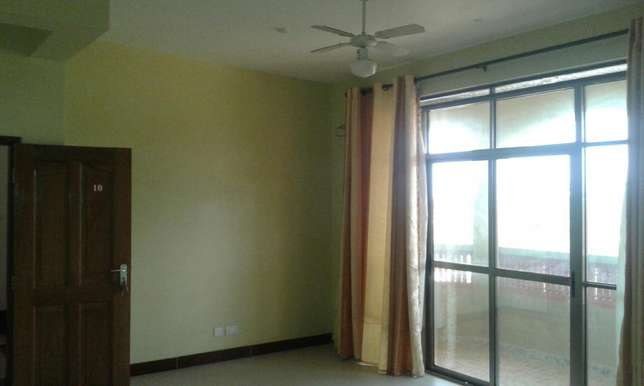 Executive 3bdrm apartment with pool,gym dsq in a serene part of shanzu Nyali - image 2