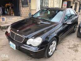 first body super clean 2004 mercede Benz c200