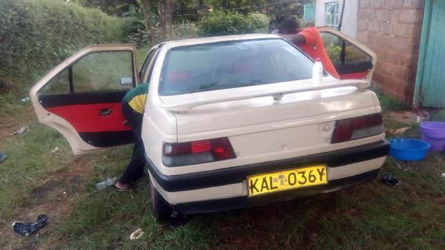 A well maintained Peugeot 405 Uthiru - image 4