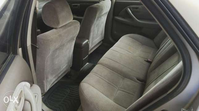 Nigerian used toyota camry Agege - image 4