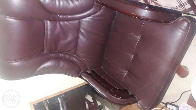 Exexutive office chair Kasarani - image 3