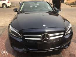 Mercedes Benz C300 4matic black 2015 in excellent condition