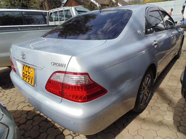 A very clean Toyota Crown on sale Hurlingham - image 2