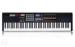 AKAI MPK88 hammer action keyboard