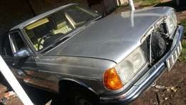 Stripping for spares. Mercedes-Benz 230E W123 Stripping for spares