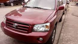 super clean Toyota highlander limited05 3 rows toks urgently for sale